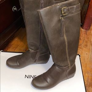 Nine West brown boots only used once with box